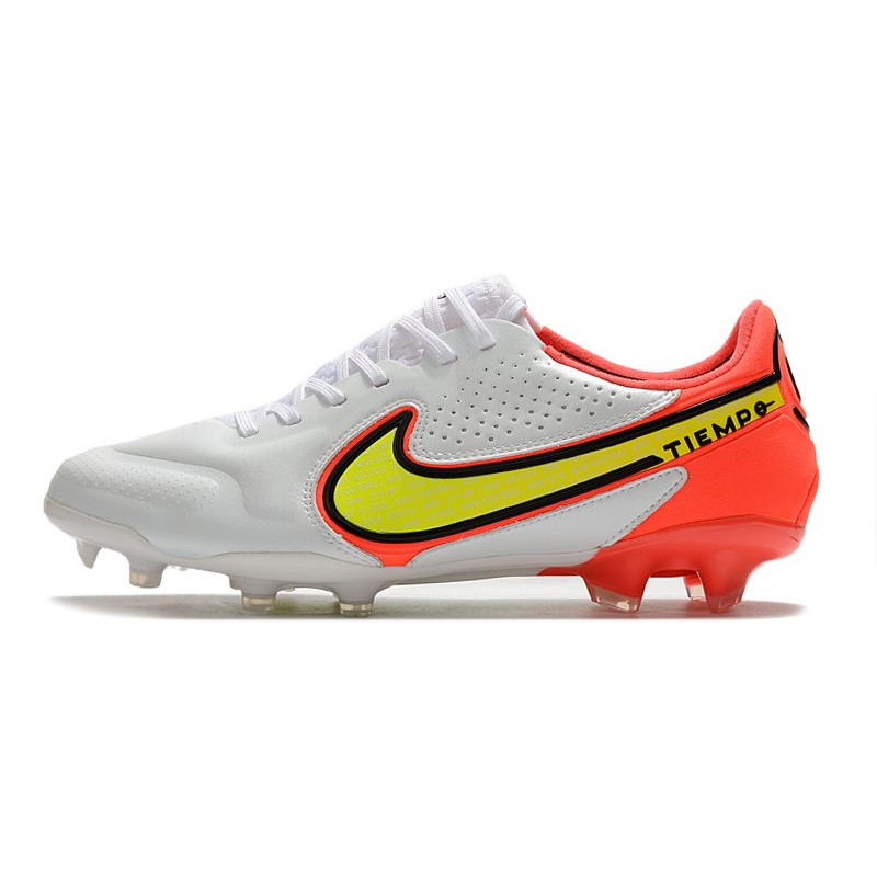 chaussure de foot nike grise